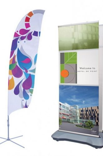feather-flags-outdoor-stands